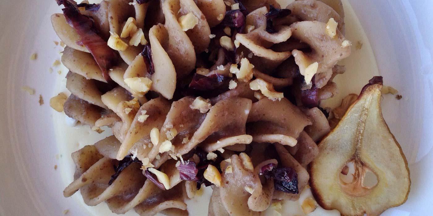Ricetta pasta con radicchio, stracchino e noci - La Molisana