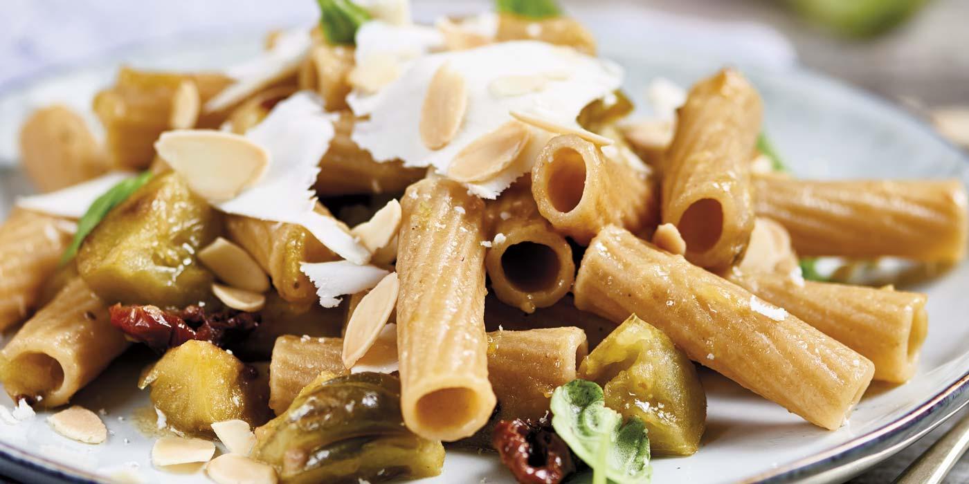 Ricetta Maccheroni integrali con pomodori verdi e acciughe - La Molisana