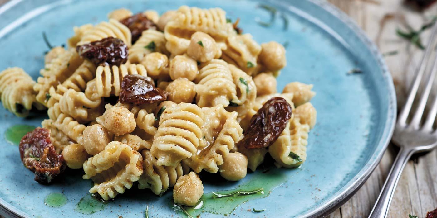 Ricetta Radiatori con ceci, pomodori secchi e peperoncino - La Molisana