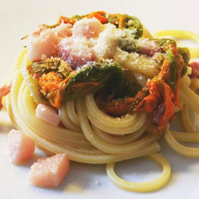 Ricetta Spaghetto Quadrato con guanciale e fiori di zucca - La Molisana