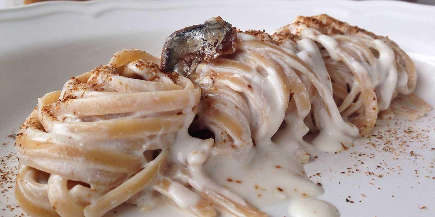 Ricetta Linguine con alici, ricotta e polvere di porcini - La Molisana