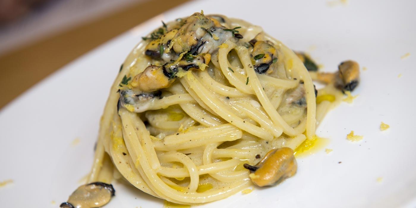 Ricetta Spaghetto Quadrato mantecato al pecorino di Moliterno - La Molisana