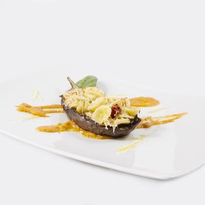 Ricetta Orecchiette Pugliesi con ragù di cardi gobbi in melanzana morbida e cacio ricotta fondente
