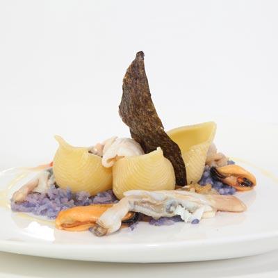 Ricetta Conchiglioni con patate, cozze, vongole, seppioline e calamari