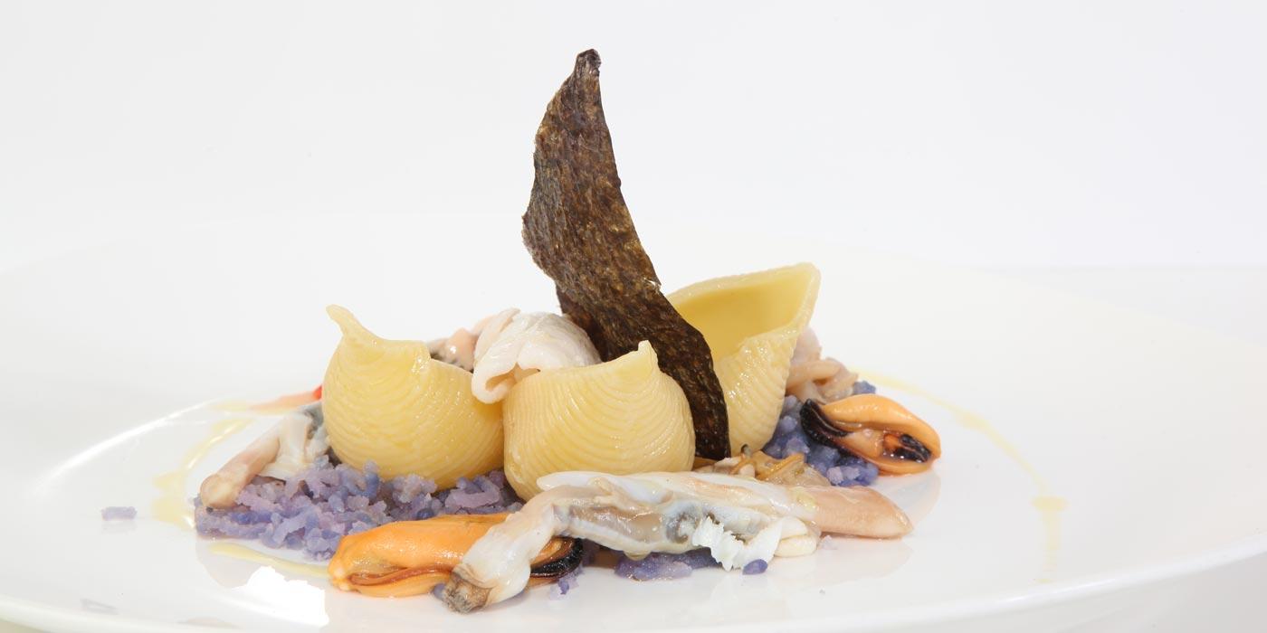 Ricetta Conchiglioni n.313 con patate, cozze, vongole, seppioline e calamari
