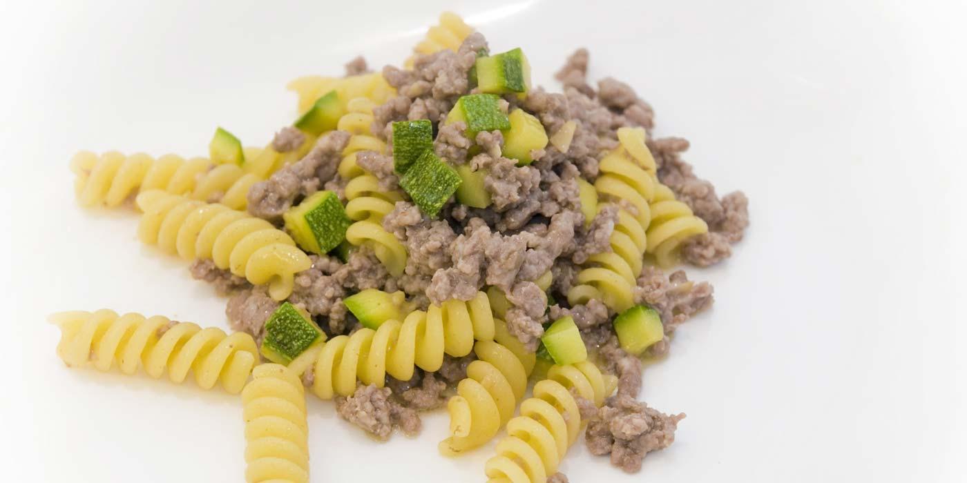 Ricetta Fusilli La Molisana con carne di vitello e zucchine