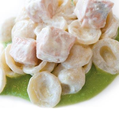 Ricette Orecchiette Pugliesi con zucchine e salmone