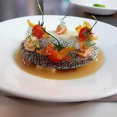 Ricetta Mezza Penna Quadrata in brodo di tonno e cialda di salmone croccante - La Molisana