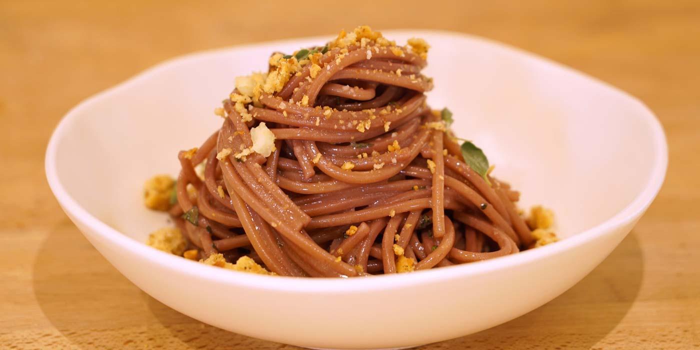 Ricetta Spaghetto quadrato aglio, olio e peperoncino - La Molisana