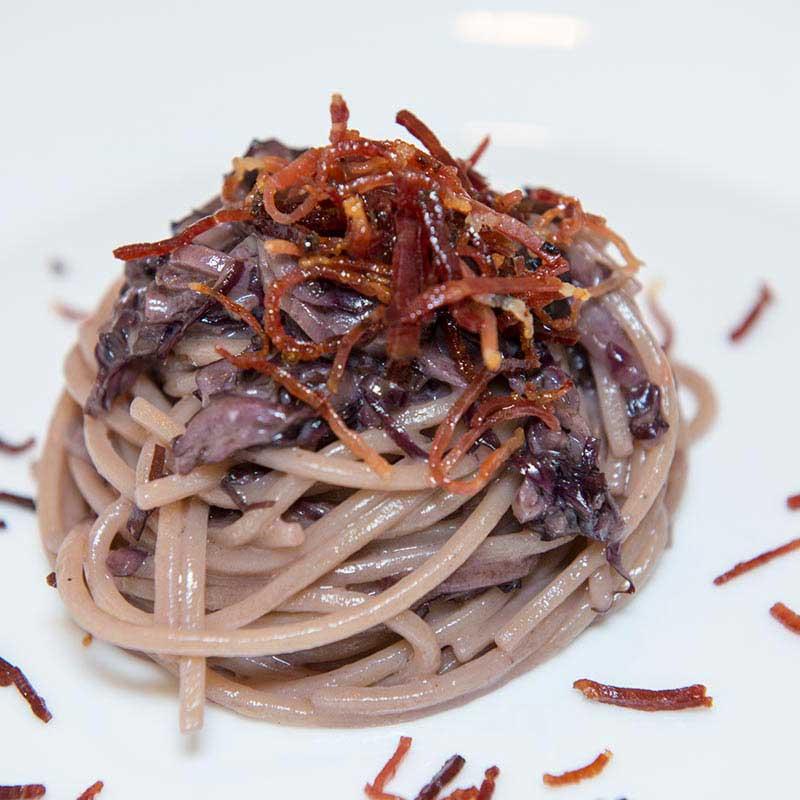 Ricetta Spaghetto Quadrato con radicchio di Treviso e speck - La Molisana