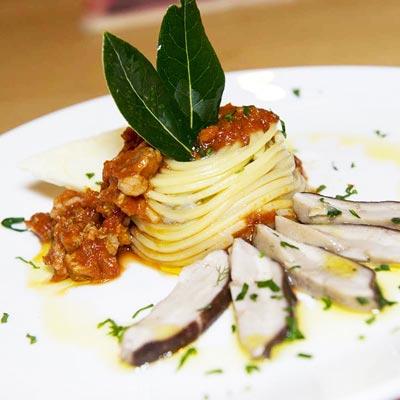 Ricetta Cupoletta di Spaghetto Quadrato al ragù calabrese e crema di funghi - La Molisana